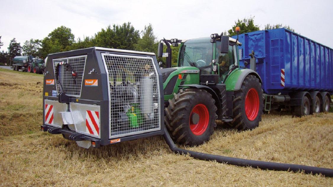 pumpe SX 1000 fra Bauer påmontert Fendt traktor